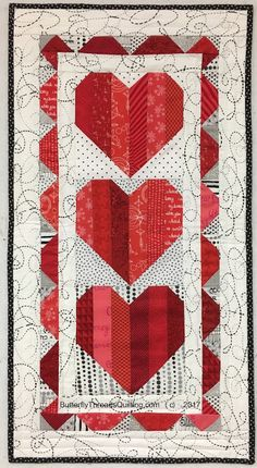 Sew Quilt Quilt Inspiration: Free pattern day: Hearts and Valentines - Within this collection of 50 free patterns you will find quilts, wall hangings, table runners, and pillows; happy hearts, broken and mende. Heart Quilt Pattern, Quilt Block Patterns, Quilt Blocks, Small Quilts, Mini Quilts, Lap Quilts, Quilting Projects, Quilting Designs, Quilting Ideas