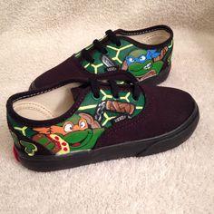 TMNT custom toddler/youths Vans by KivadenoCustoms on Etsy Kids Fashion Boy, Toddler Fashion, Baby Boy Shoes, Boys Shoes, Custom Vans, Custom Shoes, Vans Toddler, Kids Converse, Tmnt