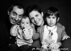 Anche oggi vi saluto con una foto di famiglia. Pensate a che bel regalo potrete fare a Natale ai vostri cari. #family #picoftheday #pictureoftheday #children #bambini #famiglia #photo