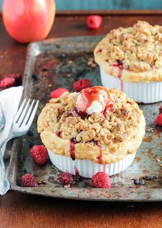 These Mini Apple Berry Crumble Pies are bursting with tart, juicy berries and tender apple slices, topped with a delectably crunchy crumble topping! Serve with ice cream for the best treat. Apple Recipes Easy, Apple Dessert Recipes, Fall Recipes, Baking Recipes, Delicious Desserts, Mini Desserts, Oven Recipes, Yummy Recipes, Healthy Recipes