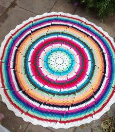 tapete mandala de croche colorido