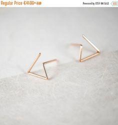 Triangle Earrings in Silver or Vermeil Rose Gold 18k / Line Stud Earrings / minimal earrings / post earrings / Free Shipping
