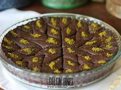einfacher MILKY ARAB GIRLS SWEET Recipe Lightly sweet cacao chocolate baklava griddle made with yummy easy dessert recipes with milk Delicious Cake Recipes, Easy Cake Recipes, Yummy Cakes, Sweet Recipes, Dessert Recipes, Chocolate Baklava, Chocolate Desserts, Cacao Chocolate, Homemade Desserts