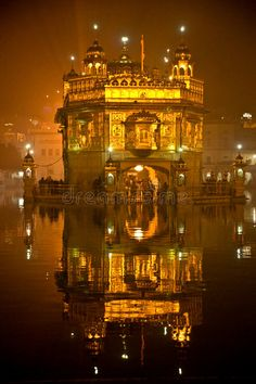 Dream Photography, Night Photography, Harmandir Sahib, Golden Temple Amritsar, Guru Pics, Guru Gobind Singh, Religious Photos, Shree Ganesh, Cute Love Couple