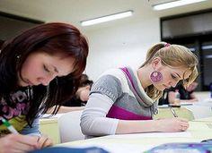 Χρόνος διενέργειας των προαγωγικών και πτυχιακών εξετάσεων στα ΕΠΑΛ       19-04-16 Χρόνος διενέργειας των προαγωγικών και πτυχιακών εξετάσεων στα ΕΠΑΛ  To Υπουργείο Παιδείας Έρευνας και  Θρησκευμάτων γνωστοποιεί ότι μετά τη λήξη των μαθημάτων του διδακτικού  έτους 2015-2016 την Τετάρτη 11 Μαΐου 2016 σύμφωνα με τη με αρ. πρ.  47464/Δ2/21-03-2016 Υ.Α. (Φ.Ε.Κ. 792 τ.Β/23-03-2016) θα ισχύσουν τα  ακόλουθα για τις προαγωγικές και απολυτήριες-πτυχιακές εξετάσεις των  μαθητών των Επαγγελματικών…