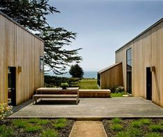 Simplicity tempered by the elements. Architect Turnbull Griffin Haesloop for Sea Ranch