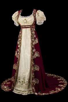 Empire costume from La Comedie-Francaise via Telerama