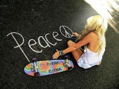 love my longboard Hippie Love, Hippie Style, Hippie Peace, Hippie Chic, Boho Chic, Pink Summer, Summer Of Love, Bae, Skate Girl