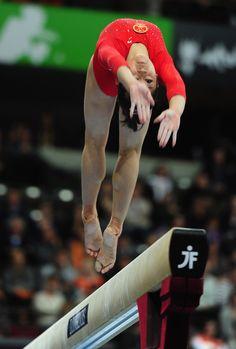 Huang Qiushuang Photo - 42nd Artistic Gymnastics World Championships