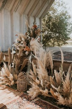 This wedding inspiration pulled elements of the African plains + rustic English . This wedding inspiration pulled elements of the African plains + rustic English style to create this incredibly chic and boho style shoot Deco Champetre, Pampas Grass, Dried Flowers, Floral Wedding, Boho Wedding Flowers, Boho Flowers, Rustic Flowers, Canterbury, Wedding Centerpieces