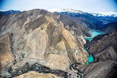 The amazing Amir Kabir Dam and its amazing emerald colour lake right next to Tehran in the mountains to the west