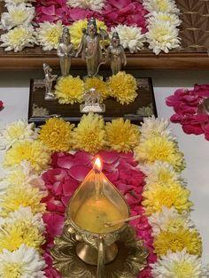 Diwali Decorations At Home, Backdrop Decorations, Festival Decorations, Flower Decorations, Mandir Decoration, Decoration For Ganpati, Rangoli Designs Flower, Flower Rangoli, Diwali Diy