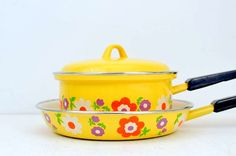 Vintage Enamel Yellow Flower Power Pans by VintageRescuer on Etsy