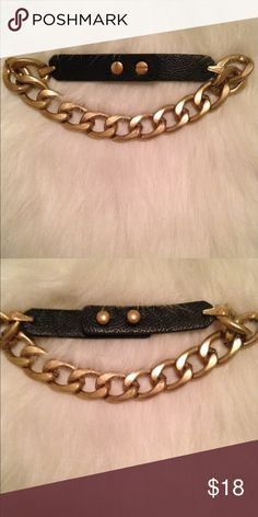 GOLD CHAIN CHOKER✨ Super cute • never worn • NOT LF (listed under the brand for exposure) LF Jewelry Necklaces