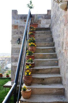 flower pots on steps | flower pots on steps | Home and Garden | Pinterest