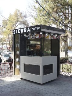 You coffee enthusiasts intend to make a coffee shop in the house but are puzzled by the style? Relax Stegavia below has actually prepared a number of one-of-a-kind layouts ranging from simple to luxurious interiors, all below Coffee Box, Coffee Stands, Coffee Carts, Coffee To Go, Iced Coffee, Cafe Shop Design, Kiosk Design, Booth Design, Small Coffee Shop