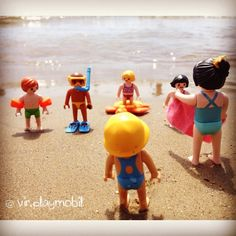 Bathers & swimsuits ☀️ #playmobilfigures #playmobillovers #playmobilporelmundo #playmo #playmobilespaña #famobil #clicks #iloveplaymo #playmo #playmobilfans #playmobilmania #toycreativity #playmobilcollectorclub #geobra #playmyplanet #iloveplaymo #iloveplaymo #playmobil #playmobils #playmobile #toystagram #toyartistry #toyfusion #beach #sun #summer