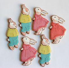 Cute food / Peter Rabbit sugar cookies by: Baked Ideas. Galletas Cookies, Cute Cookies, Easter Cookies, Easter Treats, Cupcake Cookies, Sugar Cookies, Sweet Cookies, Party Fiesta, Festa Party