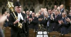 Standing ovation for ceremonial official who shot parliament gunman