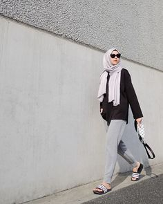 64 Ideas Fashion Style Hijab Ideas Outfit For 2019 Hijab Style, Casual Hijab Outfit, Hijab Chic, Casual Outfits, Ootd Hijab, Hijab Fashion Casual, Look Fashion, Fashion Pants, Fashion Outfits