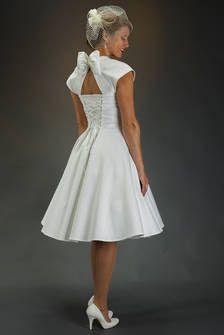 SETRINO® Couture aus Berlin | Brautkleid 1950's elfenbein-weiss mit Schleife + Petticoat - einfach nur genial