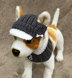 This Visor Hat and Scarf is perfect for your Chihuahua, Poodle,Yorkie or small dog. Made from Vegan friendly yarn.  Exclusive 100% hand-knit  Original Design   Size XS -10-11(around head)  Size S 11-12  The beautiful hat come with openings for your pups ears.    Machine Wash &Dry
