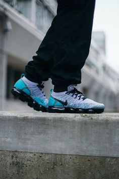 Nike Air VaporMax Flyknit 2 Air Max 93, Nike Basketball Shoes, Nike Shoes, Nike Air Vapormax, Men's Outfits, Casual Outfits, Nike Free, Running Shoes, Trainers