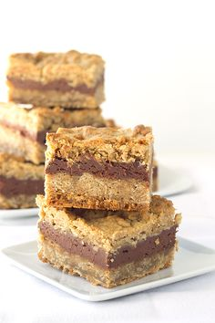 Chocolate and peanut butter taste amazing together. You should give it a try in this chocolate peanut butter oatmeal bars. They're the perfect bar!