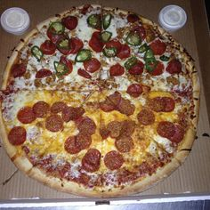 It's Friday!! #buylocal #LNK #pizza https://www.instagram.com/p/BNhVzqAjdmR/ via http://lazzarispizzasouth.com/36152