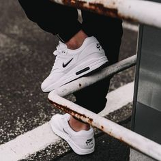 Find Your Perfect Pair Of Shoes – Some Advice For Your Next Purchase – Shoes Casual Sneakers, Air Max Sneakers, Sneakers Fashion, Sneakers Nike, Fashion Shoes, Air Max 1, Nike Classic Cortez, Nike Air Max Sale, Zapatillas Casual