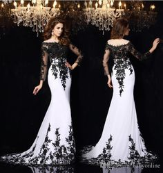 2016 Elegant Long Sleeves Lace Evening Dresses Vestidos De Noiva Arabic Crew Sheer Neck Black Applique Plus Size Formal Prom Party Gowns