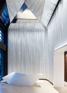 SOLO WEST, Frankfurt. Ein Projekt von Ippolito Fleitz Group – Identity Architects, Oberflächen.