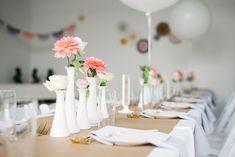 decoration de table baby shower couleur rose or blanc et bois