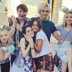 Laura Marano, Maia Mitchell, Ross Lynch, Dove Cameron, and Grace Phipps.
