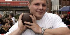 Ralf Bartels motiviert Schüler - Kugelstoß-Europameister in Hamburg - Kugelstoß-Europameister Ralf Bartels hat Hamburger Schülern einen Anstoß gegeben, sich für ihre berufliche Zukunft zu engagieren.