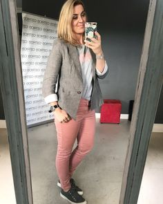 Post Pregnancy Clothes, Pre Pregnancy, Pregnancy Outfits, Personal Style, Leather Pants, Stylists, Brown Blazer, Pink Pants, Work Wardrobe
