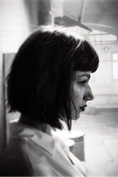 Big Nose Beauty, Drawing Body Proportions, Mia Wallace, Art Photography Portrait, Big Noses, Corte Y Color, Girl Inspiration, Cultura Pop, Hair Lengths