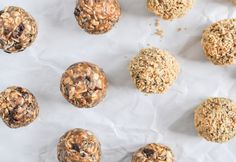 Want to kickstart your morning right? A bite of these flaxseed, chia seed and almond-packed peanut butter bites are sure to do the trick! Perfect pre + post-workout treats too!