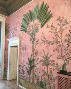 A bit of interior inspiration this morning with this stunning wall mural. Th colours are just lovely. Do let me know if you know the source… Hand Painted Wallpaper, Pink Wallpaper For Walls, Painted Wall Art, Green Floral Wallpaper, Parrot Wallpaper, Monkey Wallpaper, Palm Wallpaper, Interior Wallpaper, Botanical Wallpaper