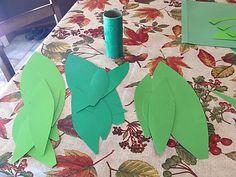 DIY Pineapple Pinata Movie Basket Gift, Movie Gift, Pineapple Pinata, Harry Potter Christmas Tree, Crepe Streamers, Hawaiian Theme, Fall Gifts, Harry Potter Diy, Pumpkin Decorating