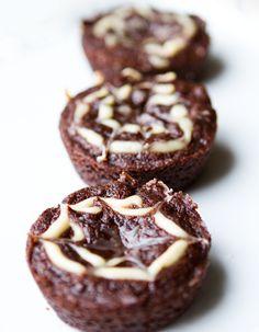 spooky spiderweb brownies, vegan