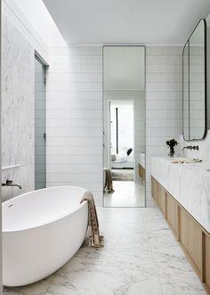 Interior Stylist, Interior Design Studio, Contemporary Skylights, Modern White Bathroom, Contemporary Bathrooms, Open Plan Kitchen, Bathroom Inspiration, Bathroom Ideas, Interior Architecture
