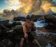 13 ways to immortalize your sunsets in Hawaii Sunsets Hawaii, Oahu Beaches, Canoe Club, Aloha Friday, King Of The World, Tide Pools, Leap Of Faith, Big Island, Kauai