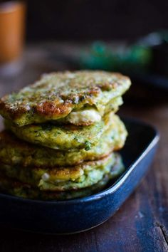 The best Broccoli Pancakes. Super easy and tasty broccoli pancakes with feta cheese lemon and parsley. Perfect vegetarian dinner or lunch! Veggie Recipes, Vegetarian Recipes, Healthy Recipes, Good Food, Yummy Food, Homemade Hummus, Pancakes And Waffles, Kids Meals, Feta
