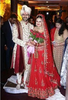 Divyanka Tripathi and Vivek Dahiya have finally got married in Bhopal on Friday (July in a traditional Hindu wedding ceremony. Couple Wedding Dress, Groom Wedding Dress, Wedding Attire, Indian Groom Dress, Wedding Dresses Men Indian, Indian Weddings, Indian Bridal Lehenga, Indian Bridal Fashion, Divyanka Tripathi Wedding