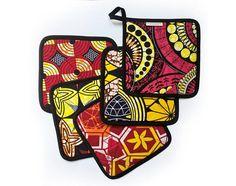 une manique carré en tissu wax africain,  motif au choix