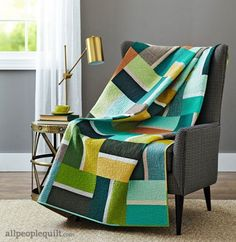 Easy Going by @christaquilts using @hoffmanfabrics.