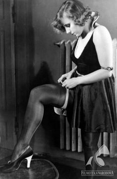 CHAM - dir. Jan Nowina-Przybylski (1931) Line, Backless, Tights, Stockings, Actresses, Concert, Mj, Polish, Quotes