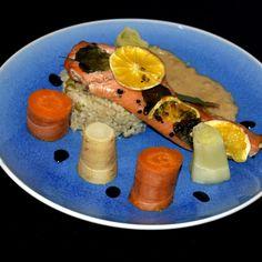 Produkty potrzebne;    Łosoś - 340gram  mięta- 4 listki  pomarańcz- 150 gram  pieprz kolorowy młotkowany- 4 ziarenka  sól himalajs... Sous Vide, Risotto, Tacos, Mexican, Ethnic Recipes