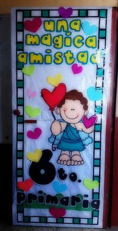 Puerta decorada del mes de febrero
